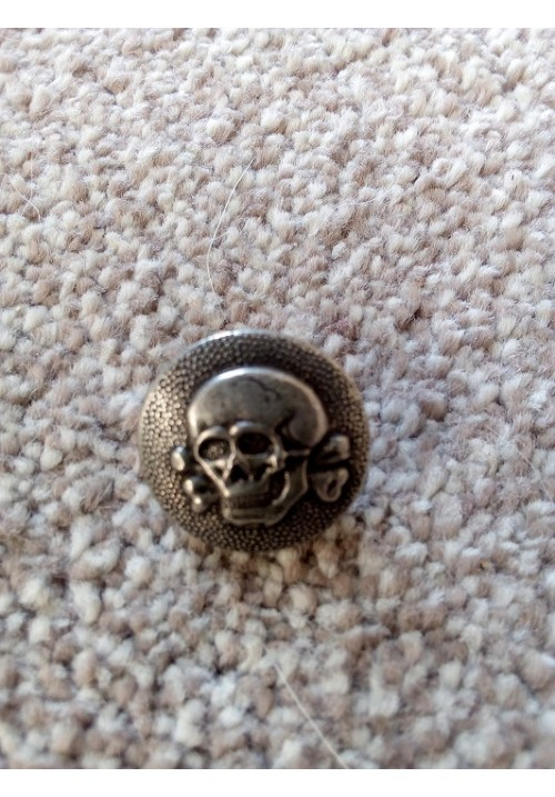WW2  Reproduction German SS Cap Button